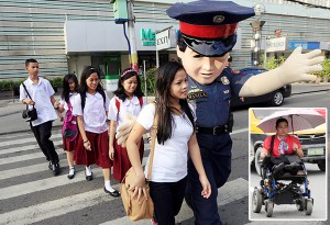 police-mascot-and-teacher-carla