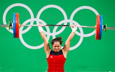 菲律宾举重运动员迪亚兹(Hidylyn Diaz)。