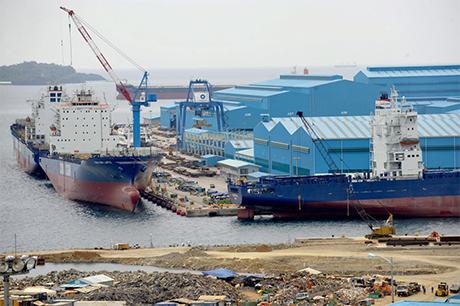 韩国企业韩进重工的菲律宾分公司建造了这个位于苏比克湾的造船厂,但该公司於本月申请了破産。